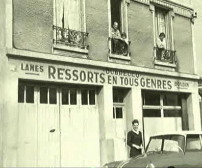 Création en 1954